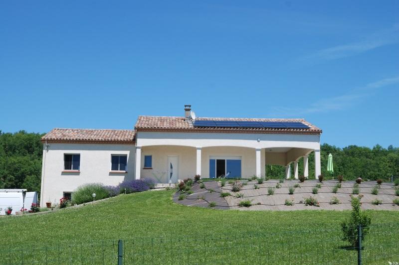 panneaux photovoltaïques sur toiture pour autoconsommation dans le 82, installés par ATVR énergie de Montauban